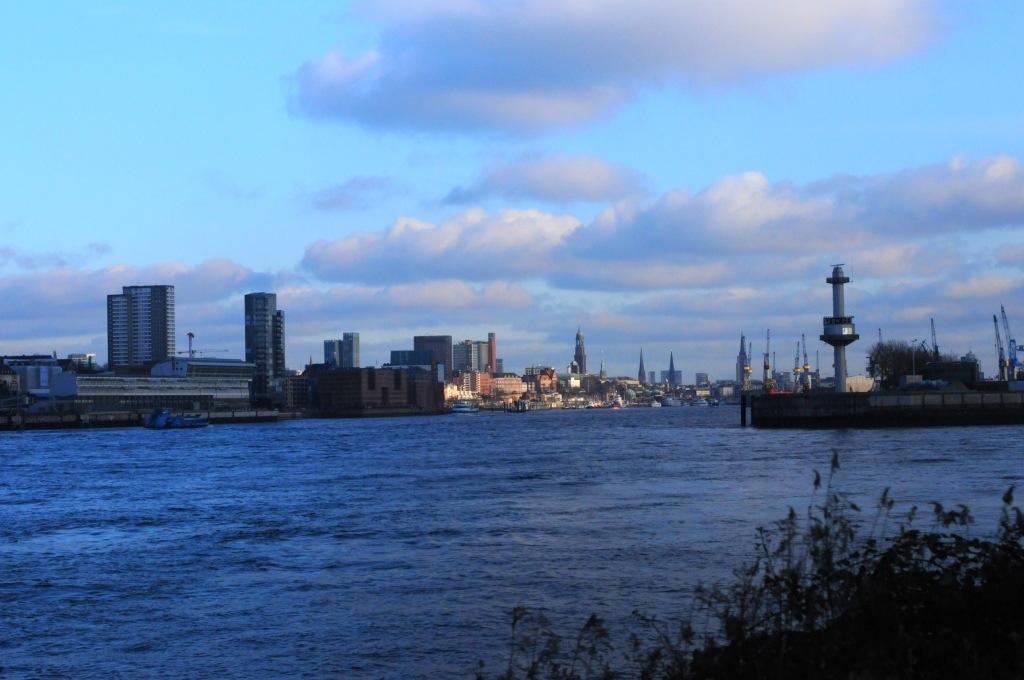 Hamburg Hafen Waltershof Hamburger Freihafen Pink