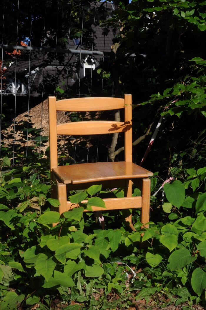 Stuhl im Grünen