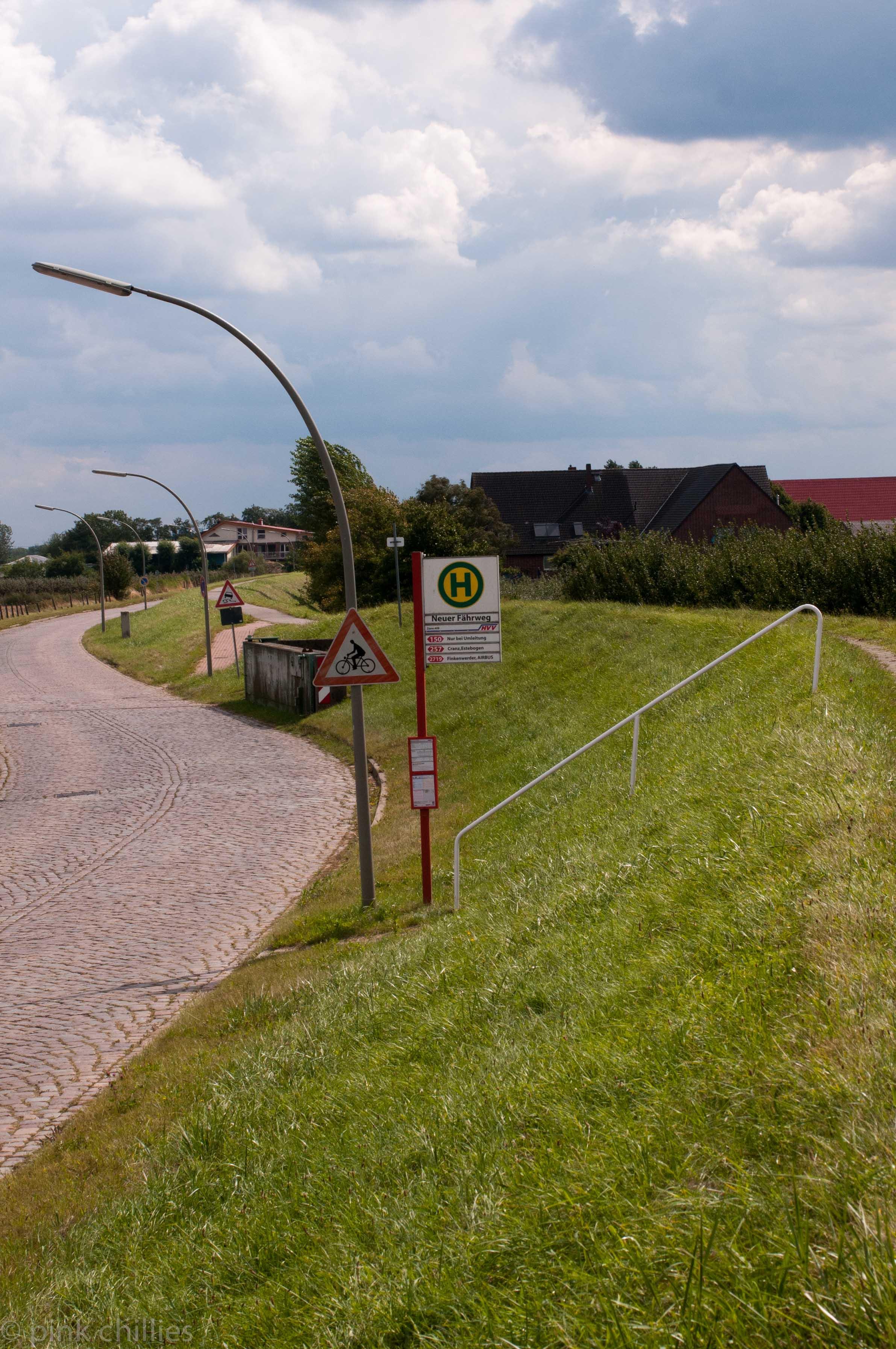 Bushaltestelle Neuenfelde