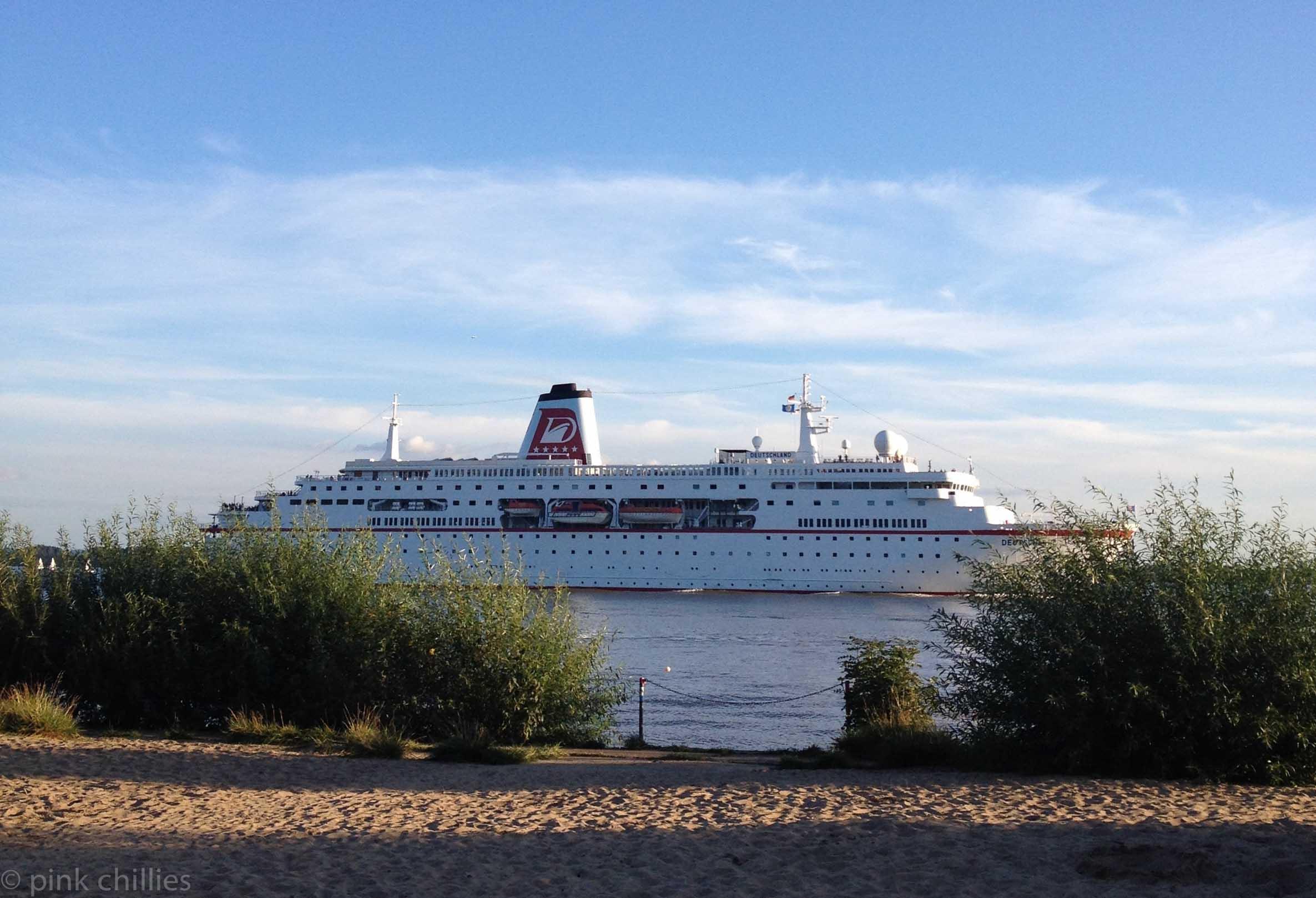 MS Deutschland  - Das Traumschiff