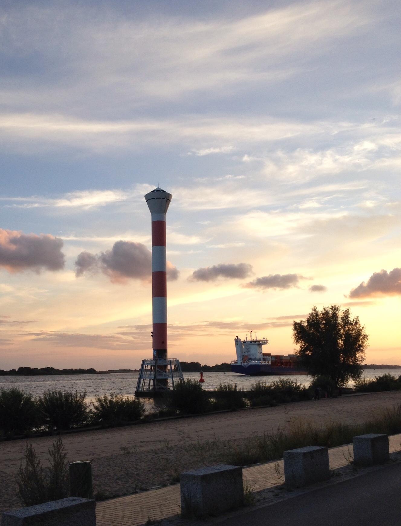 Sonnenuntergang Blankeneser Leuchtturm
