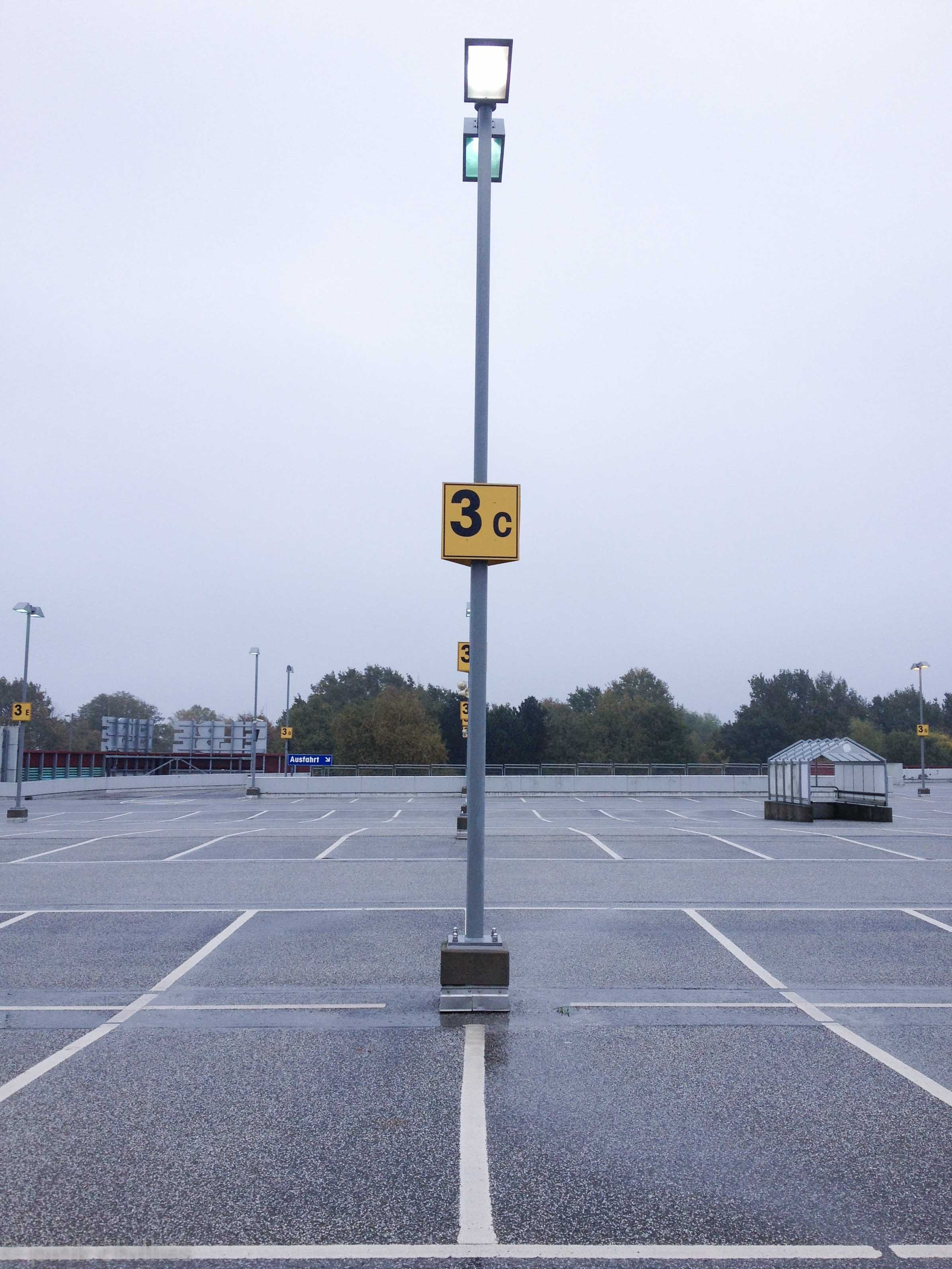 Parkplatz Elbeeinkaufszentrum