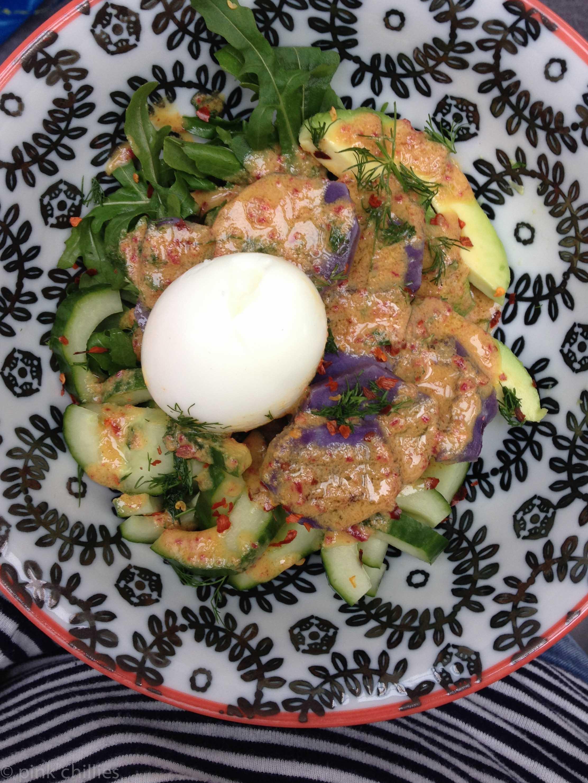 Salat in Senfsoße