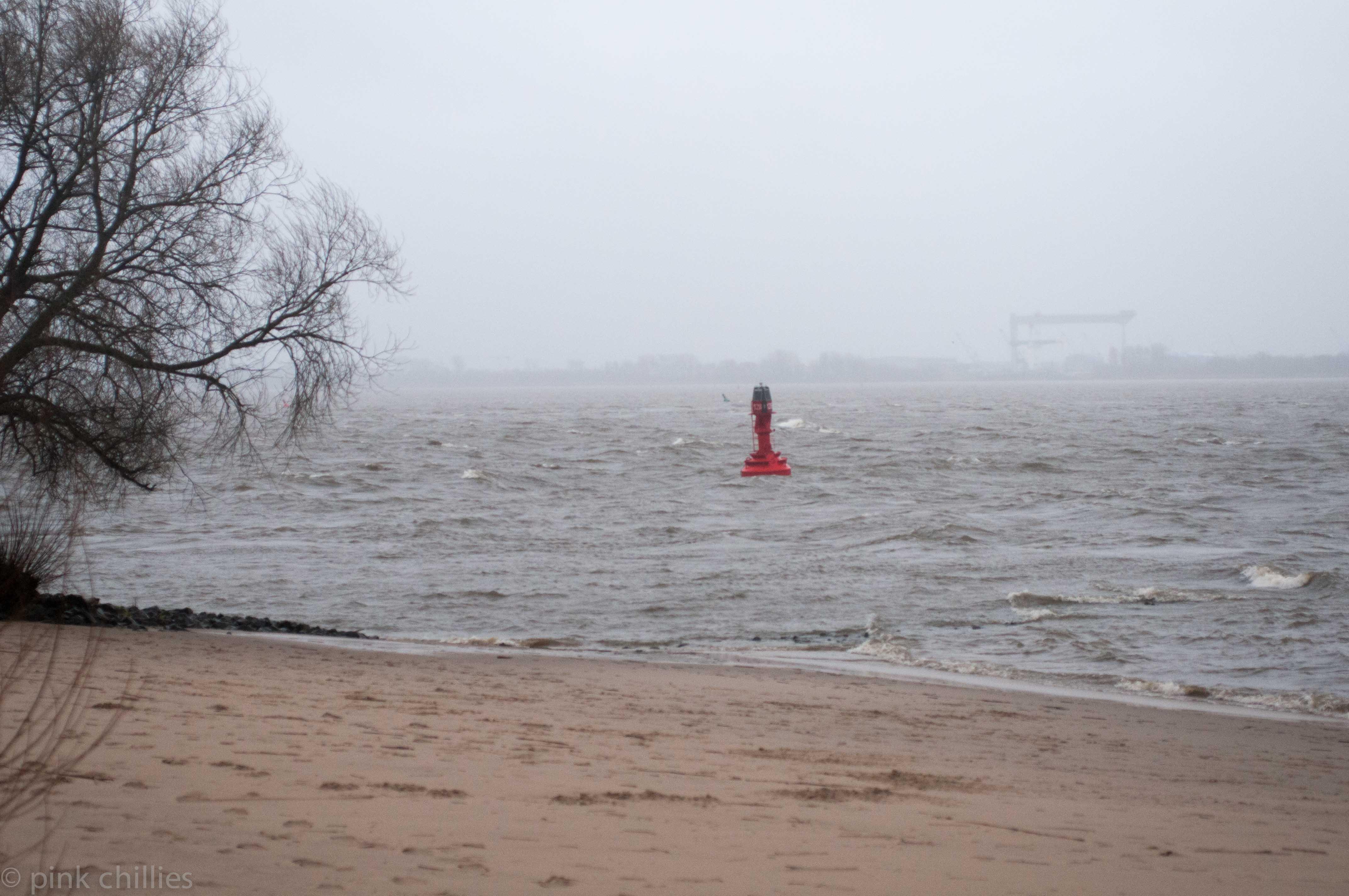 Boje auf Elbe