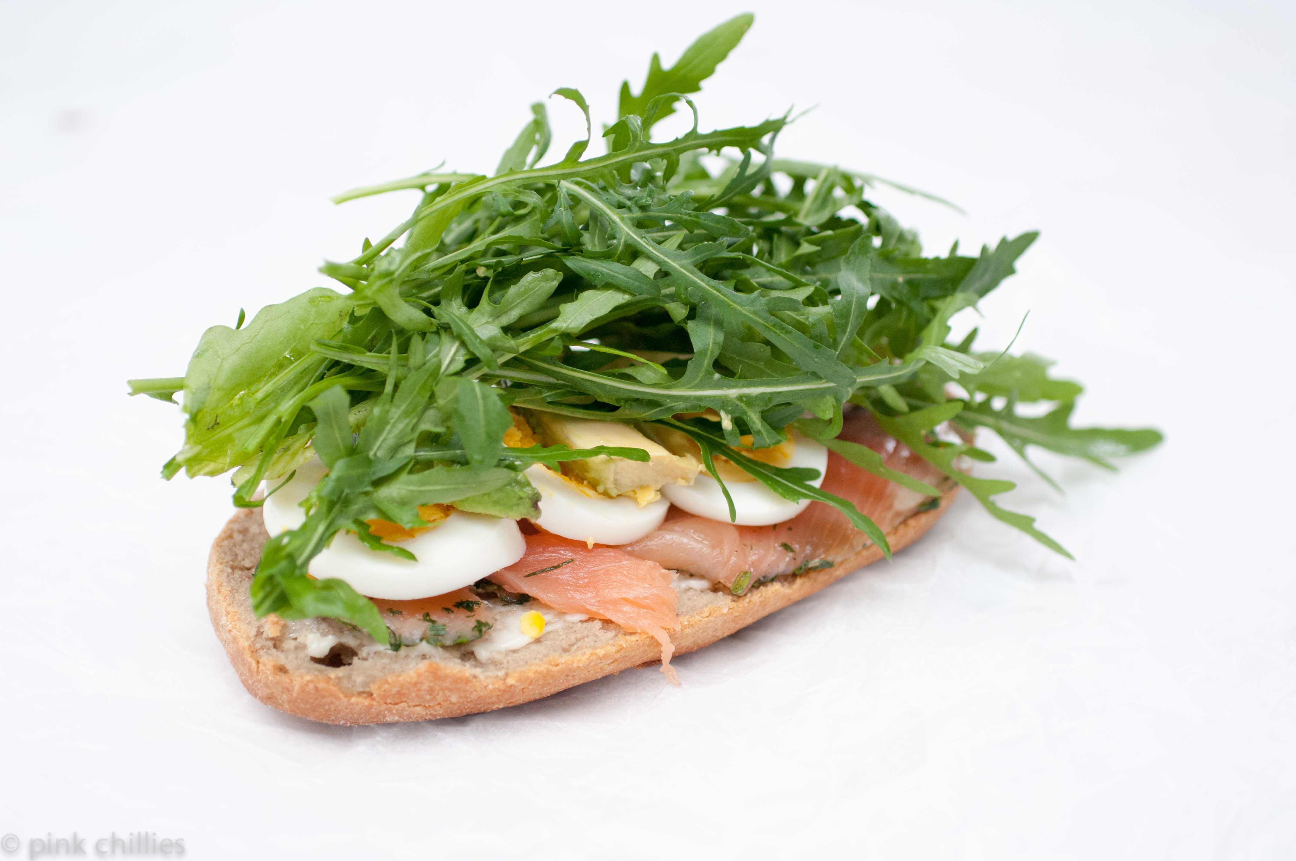 glutenfreies Minibaguette mit Lachs
