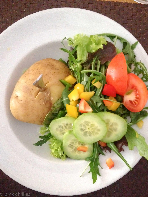 Kartoffel mit Salat