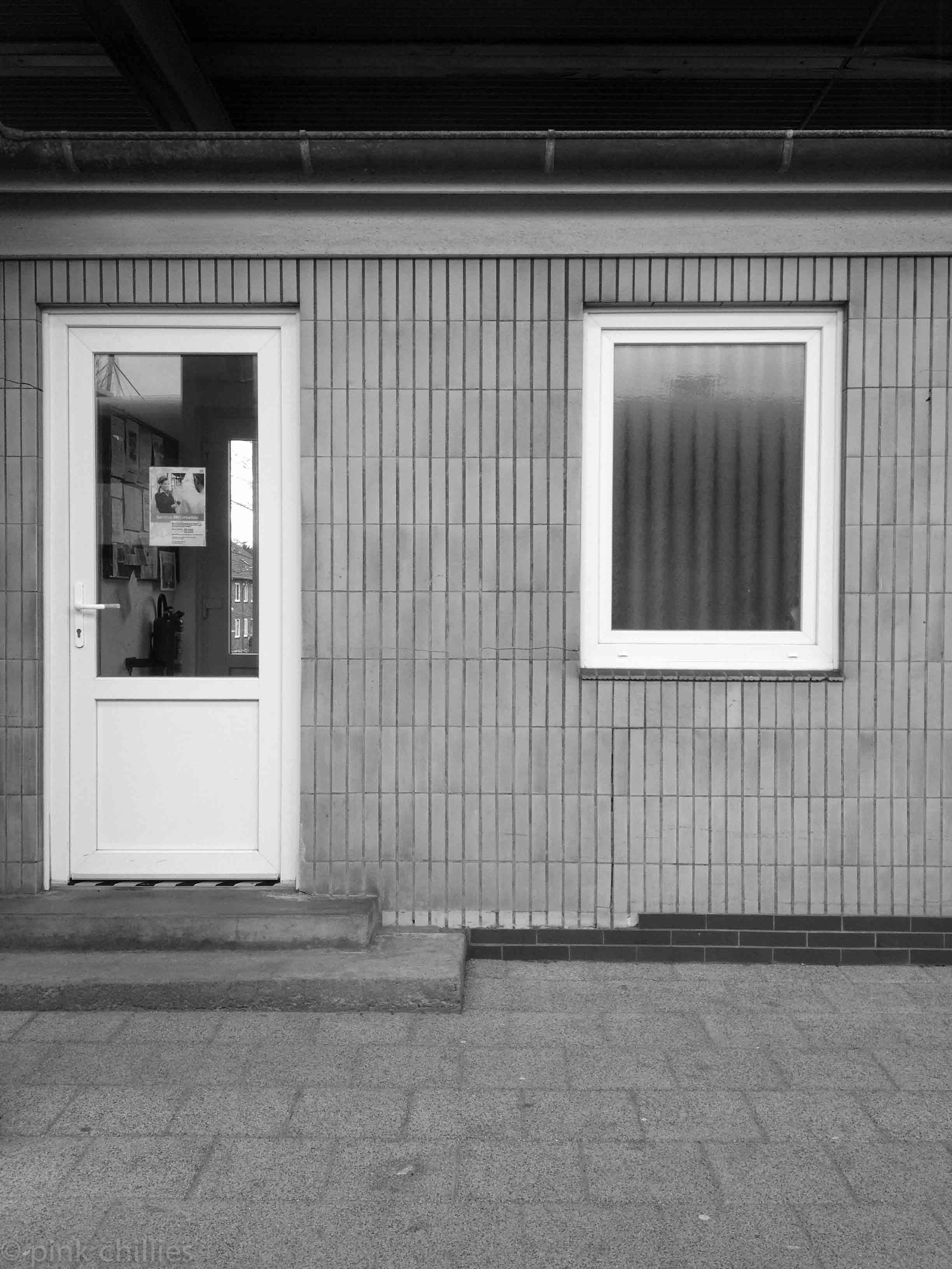 IMG_5195Bahnhofsgebäude