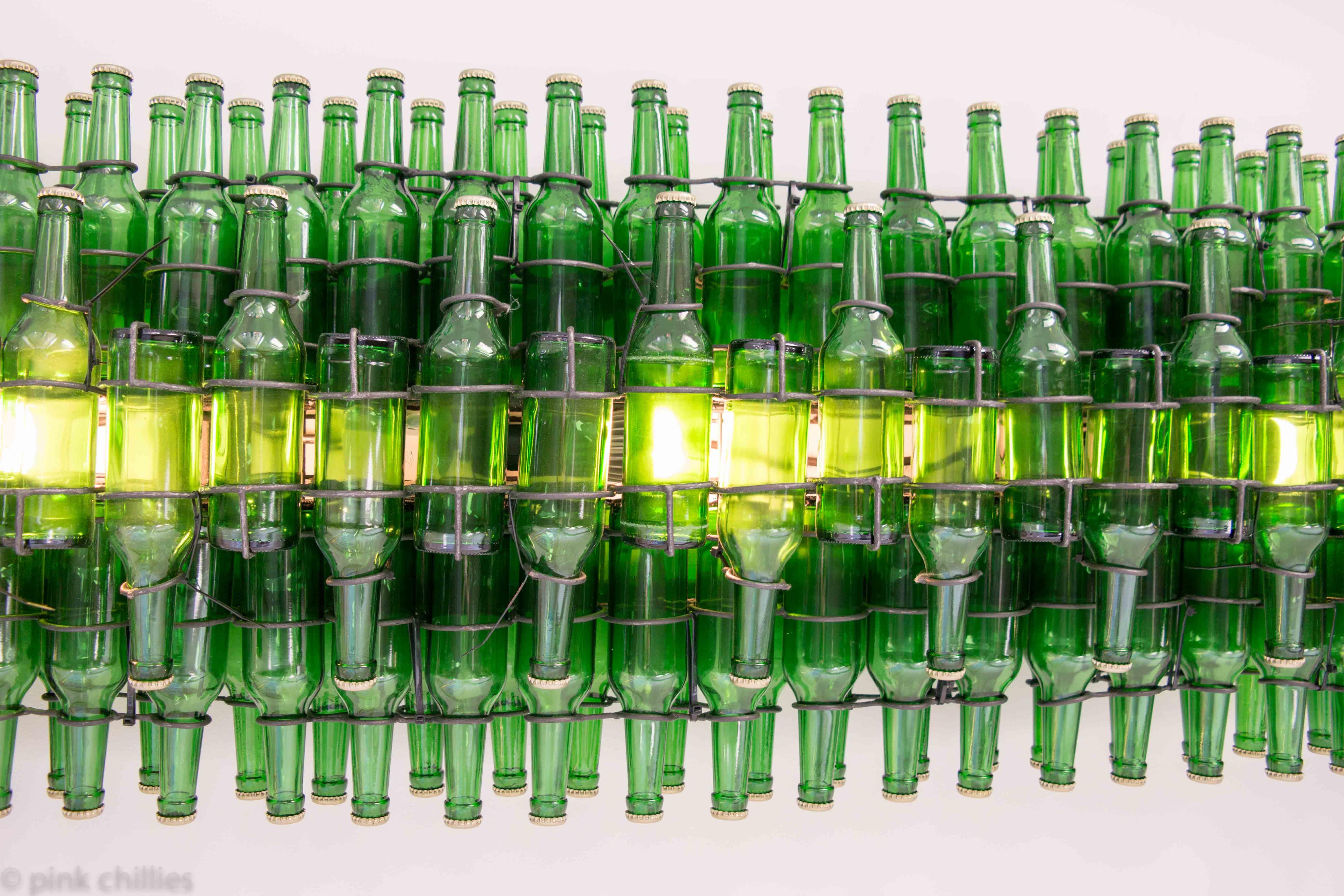 Bierflaschen Deckenlicht