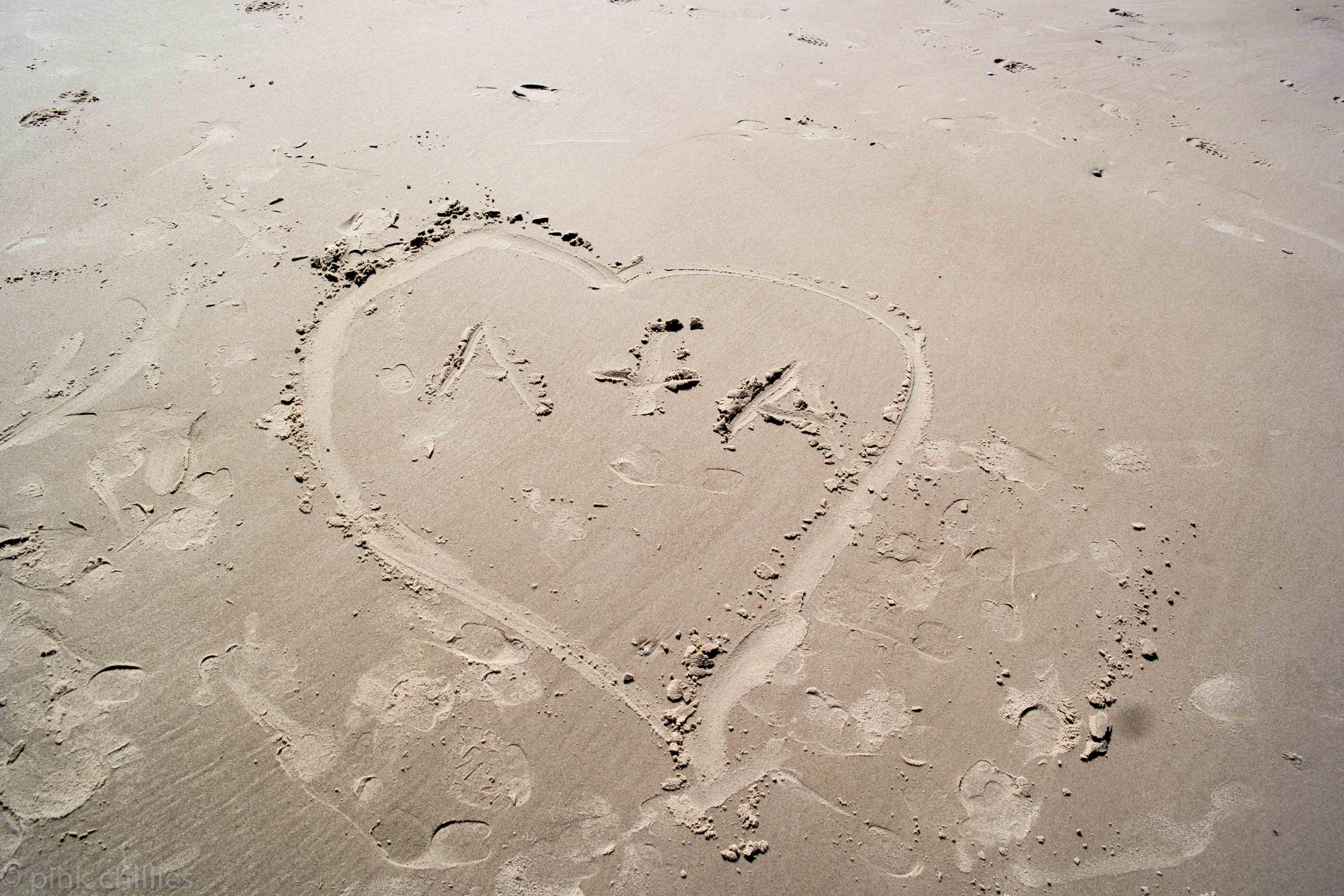 Herz im Strand