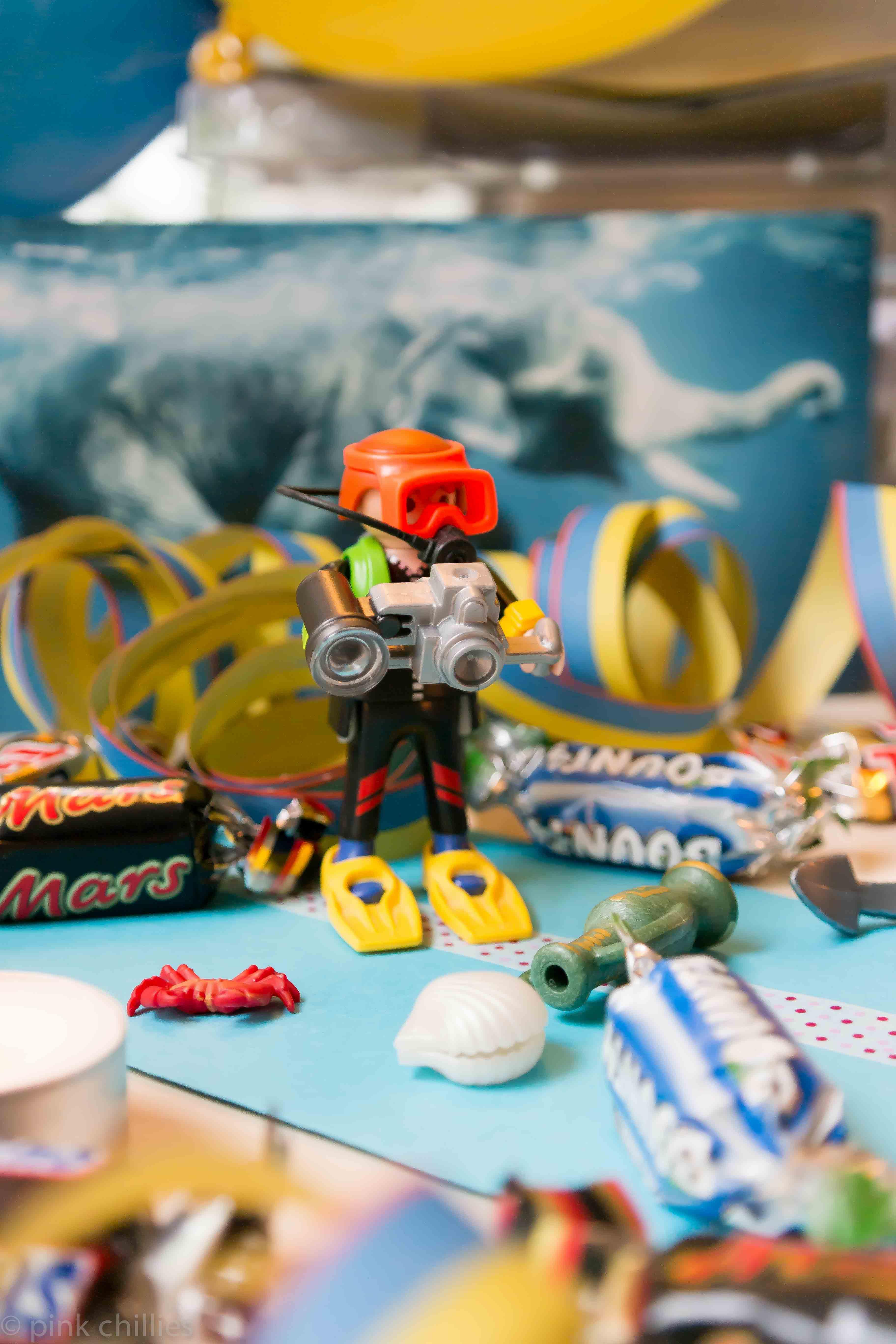 Playmobiltaucher auf Geburtstagstisch-0466