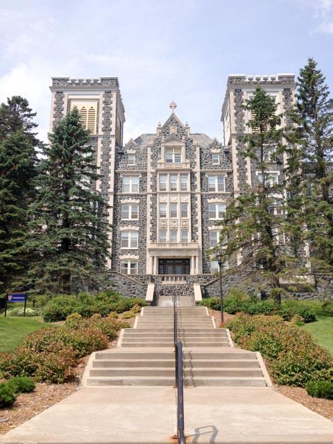 College-0012
