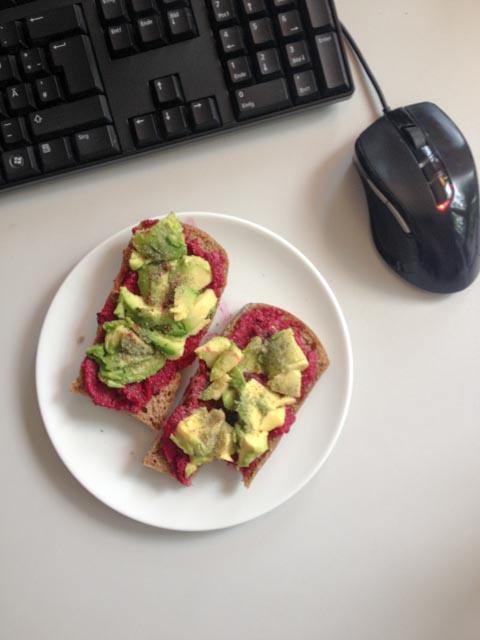 Rotebete Dip mit Avocado-6110