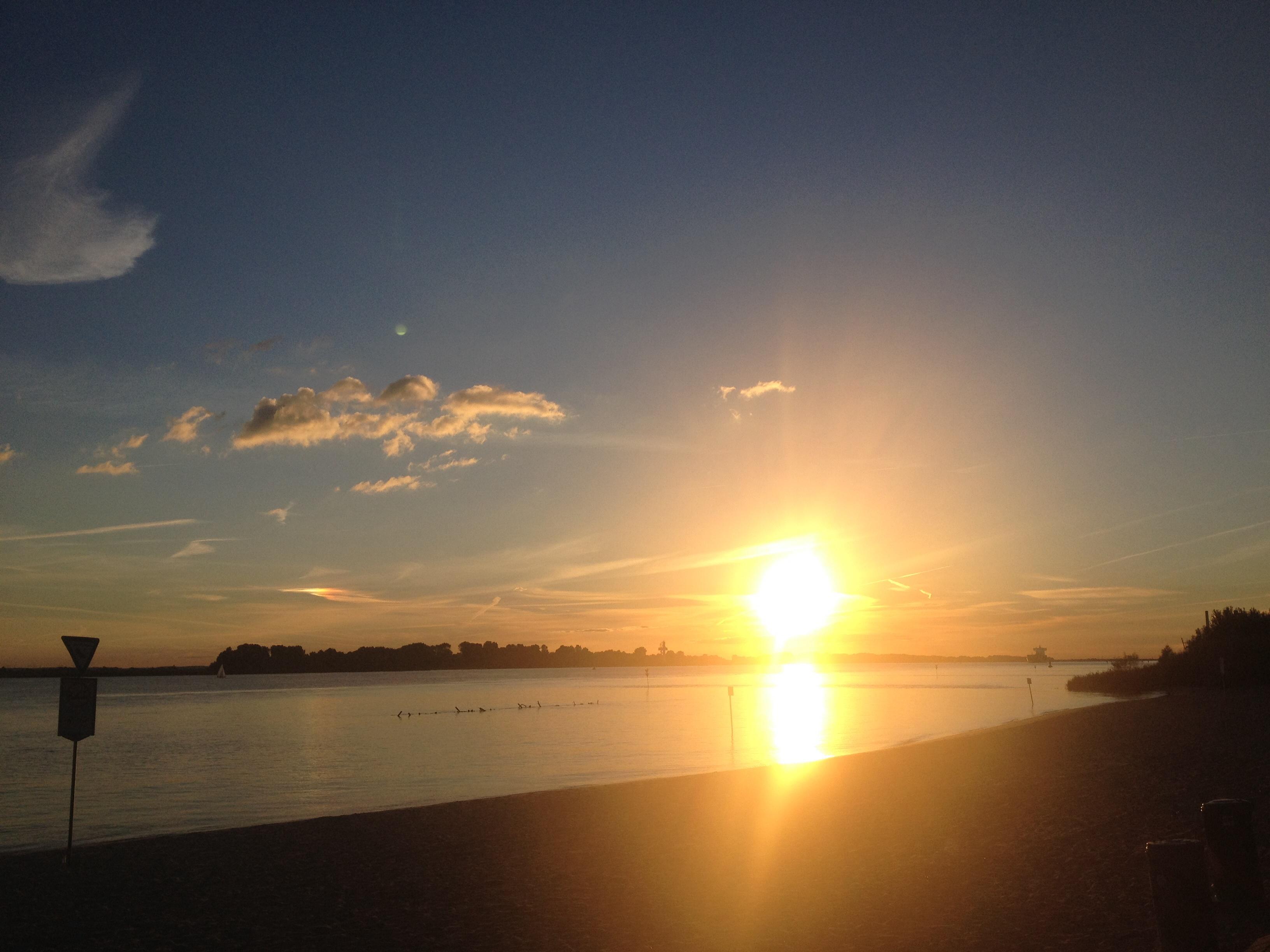 Sonnenuntergang im September Elbe