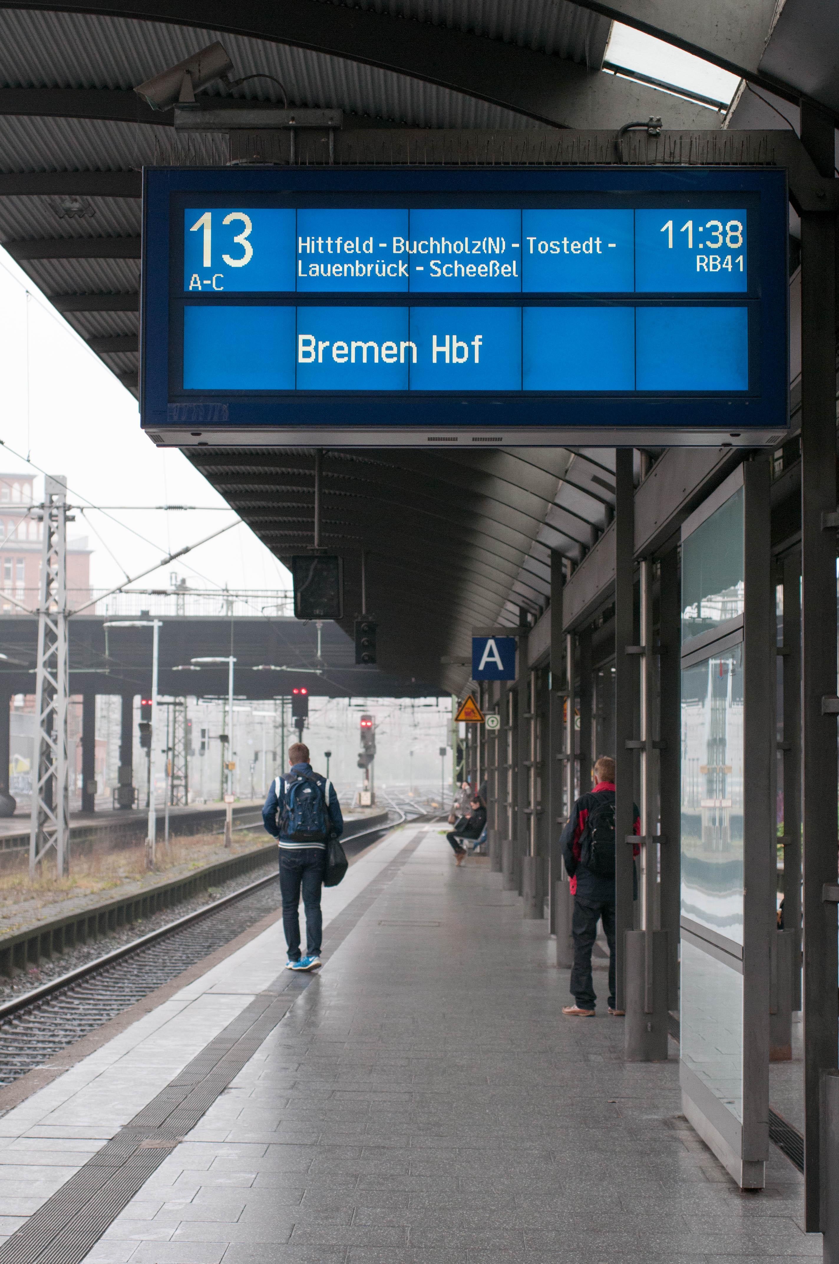 Anzeigetafel Bahnsteig