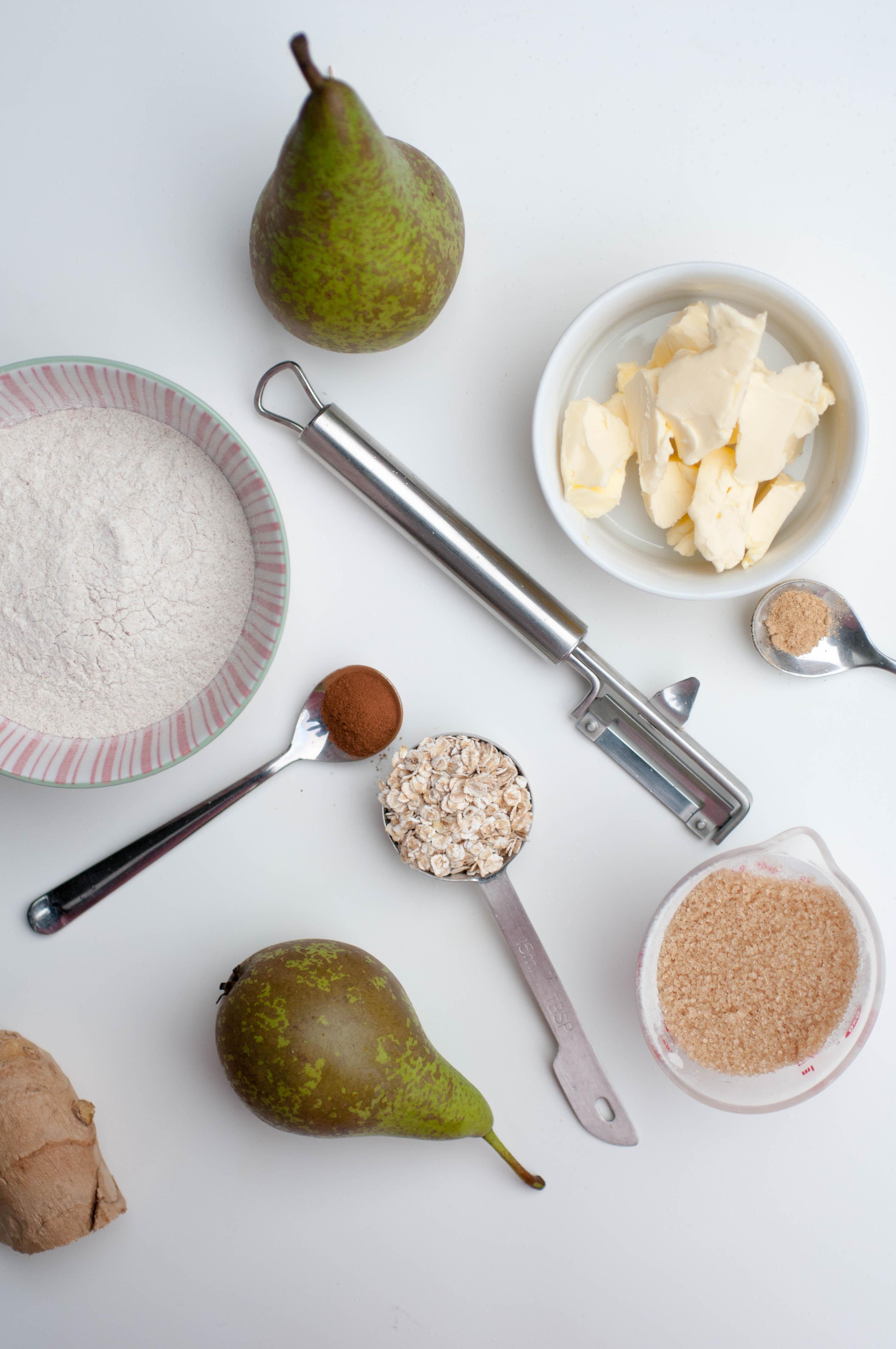 glutenfreier Birnen-Himbeer-Crumble