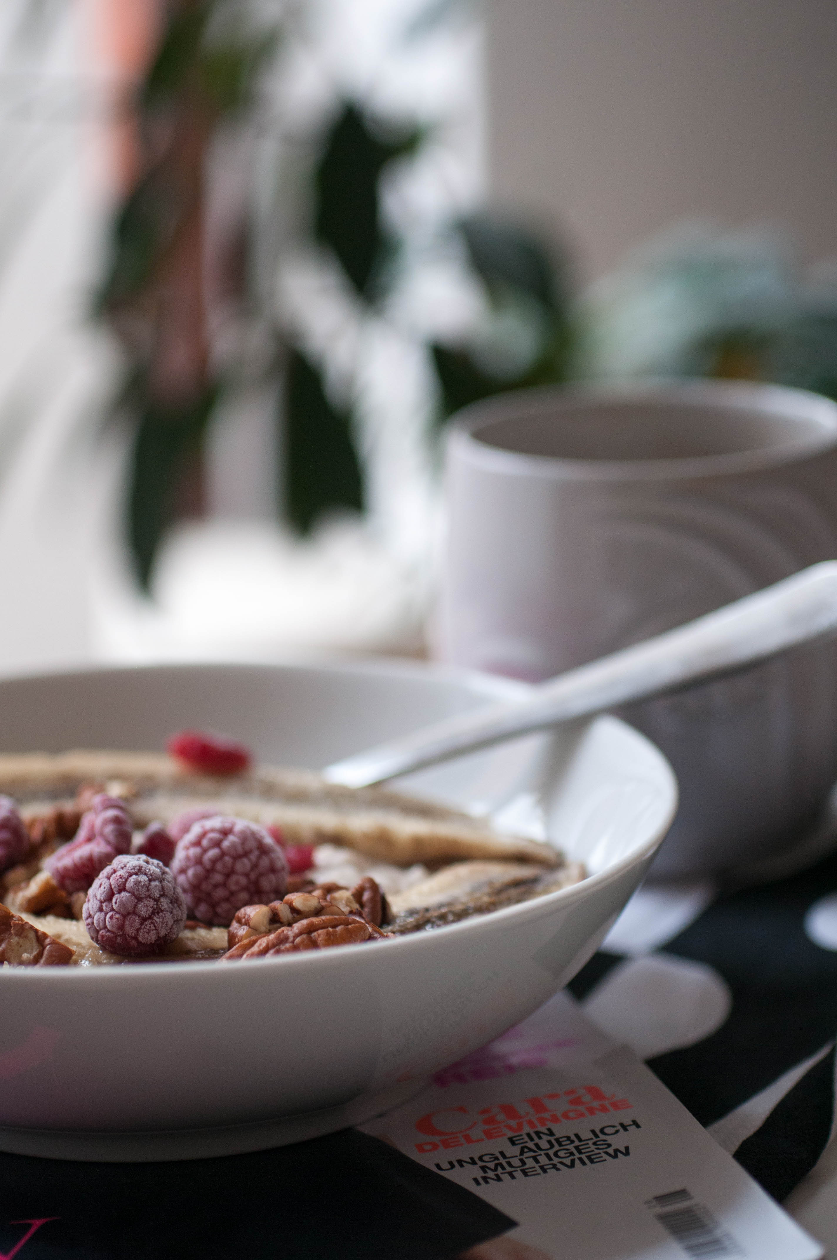 Oatmeal with Banana and Raspberry