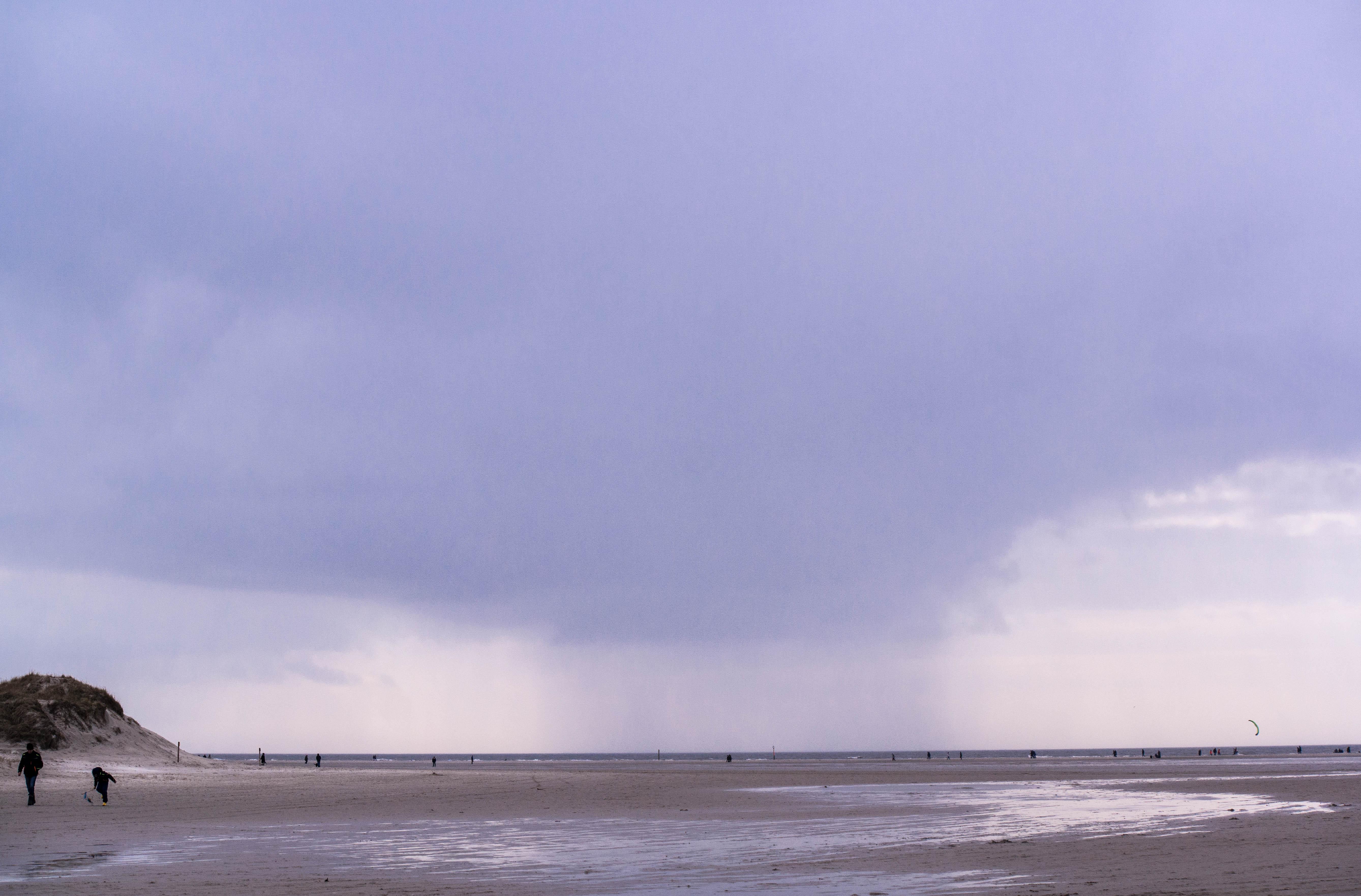 Regenfront über den Meer von Sankt Peter-Ording