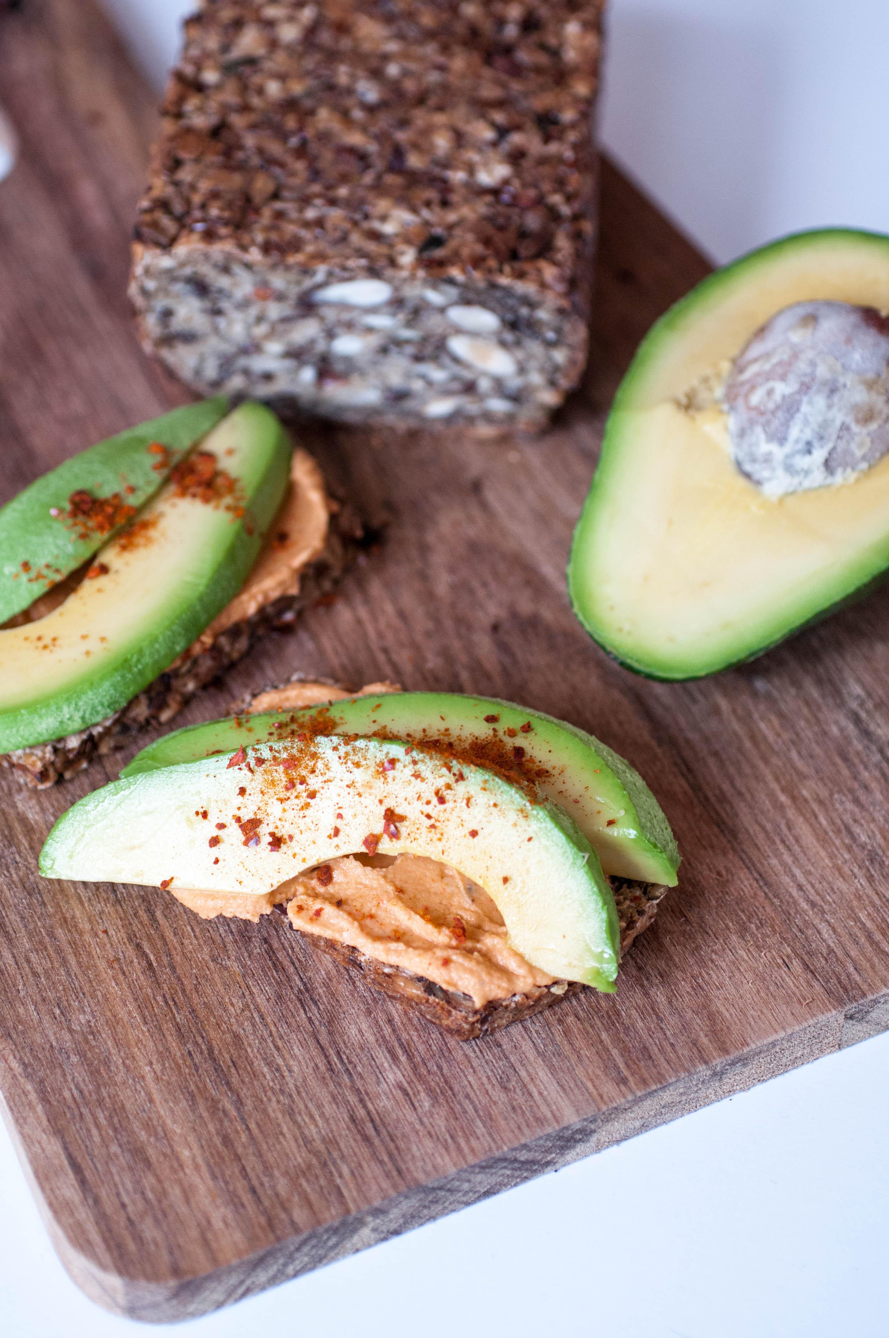 glutenfreies Brot mit Haferflocken und Nüssen