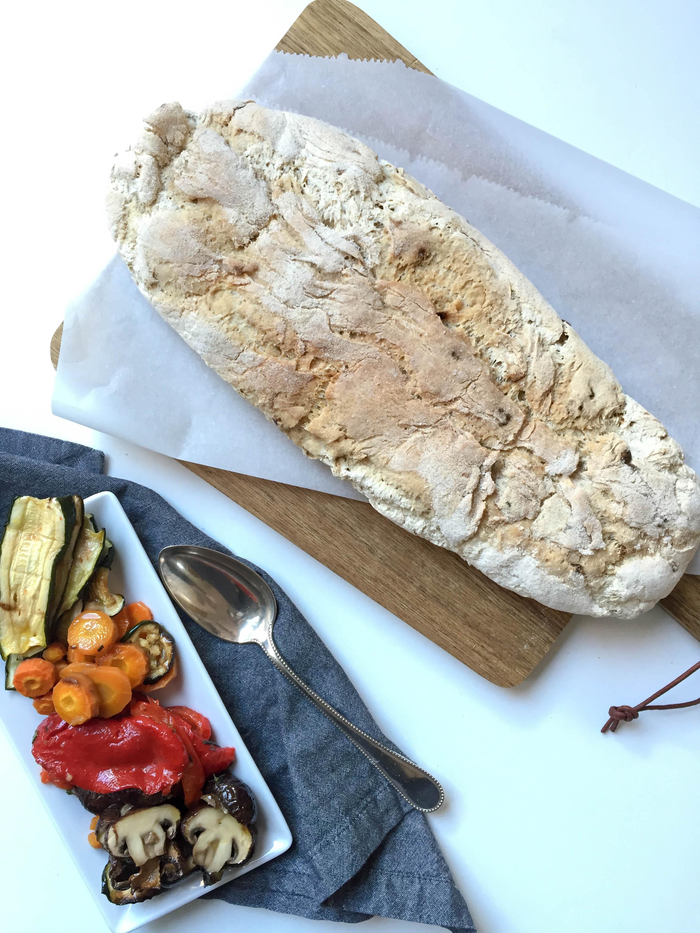 Antipasti und glutenfreies Brot