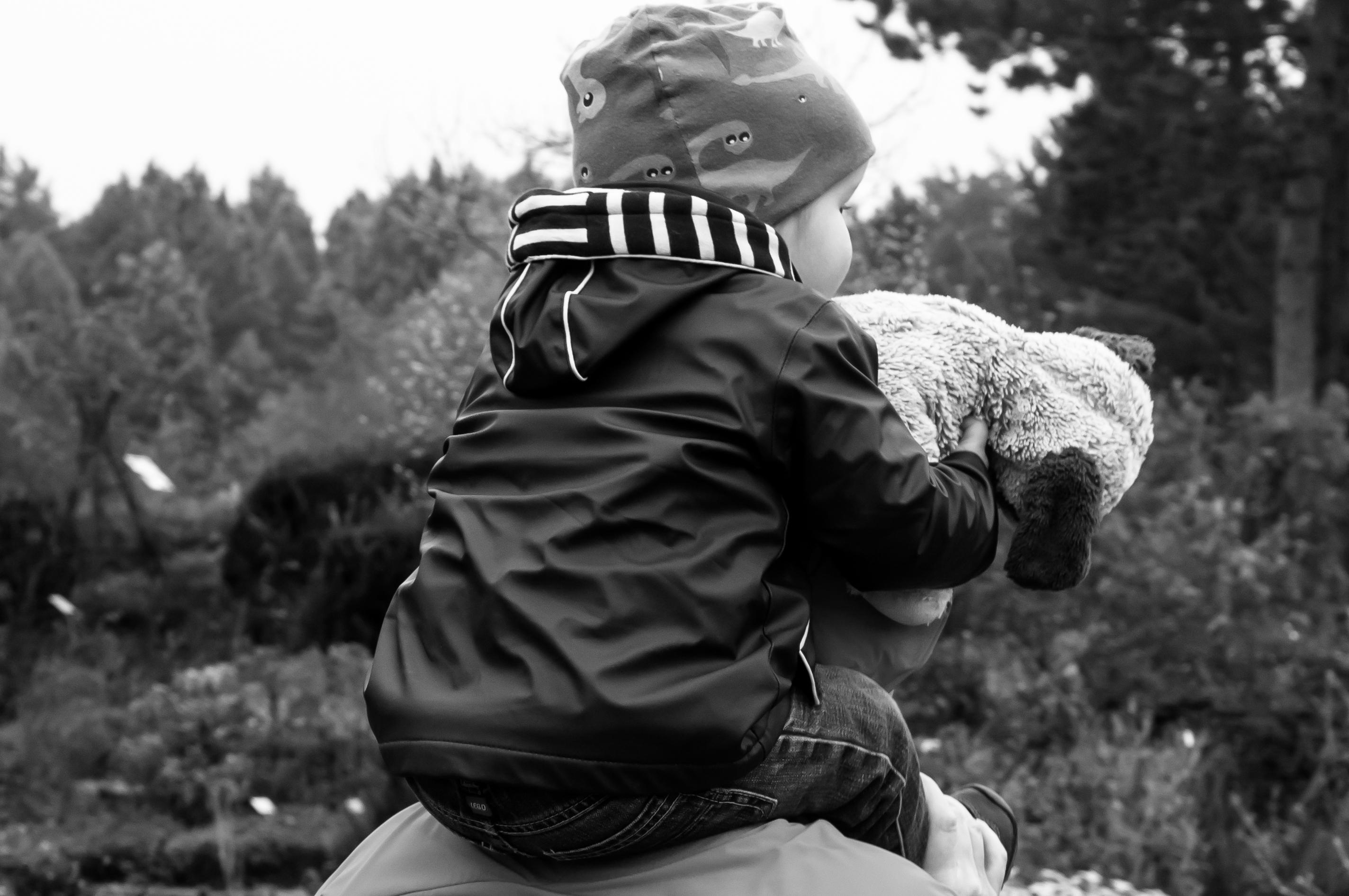 Kind auf Schultern