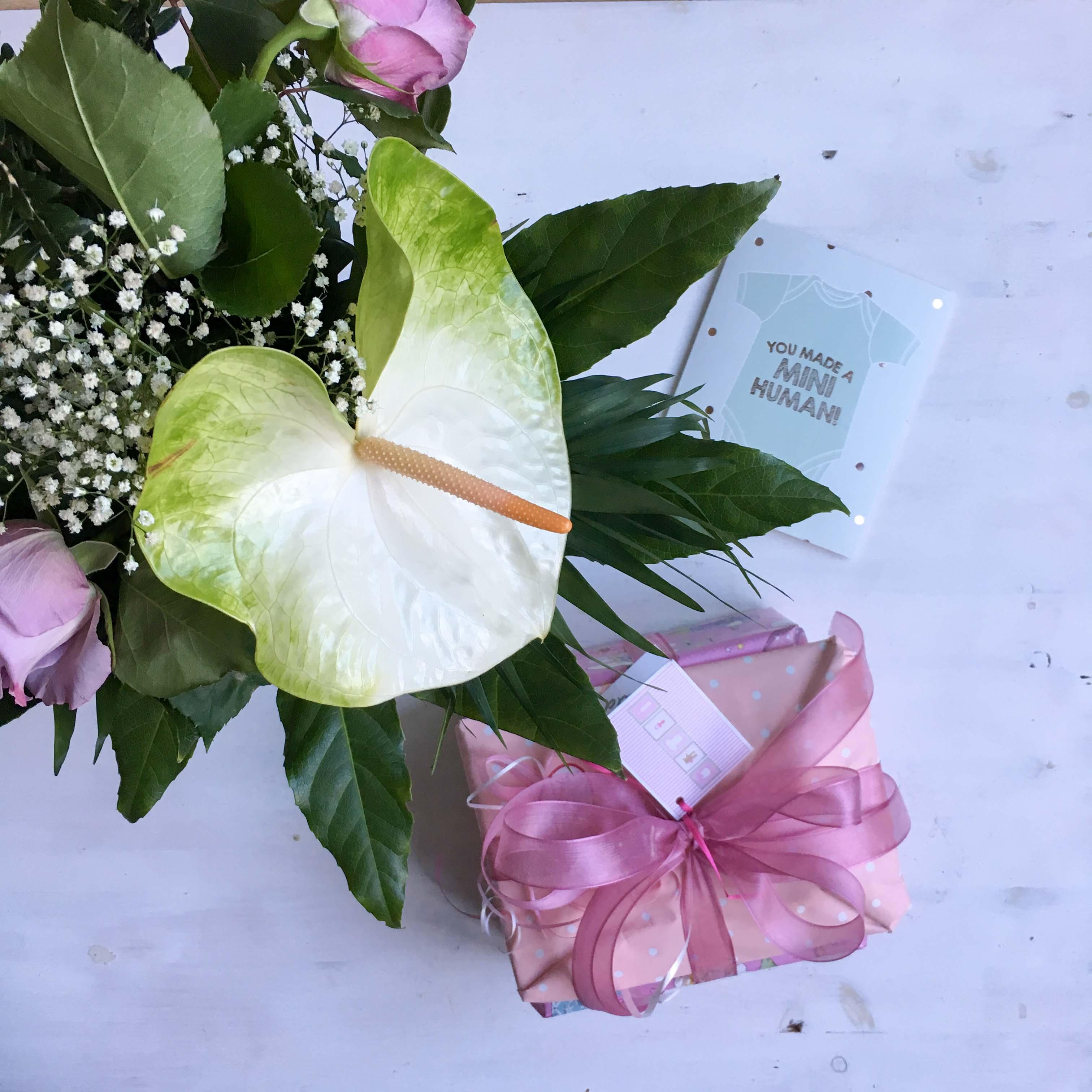 Blumen und Geschenke