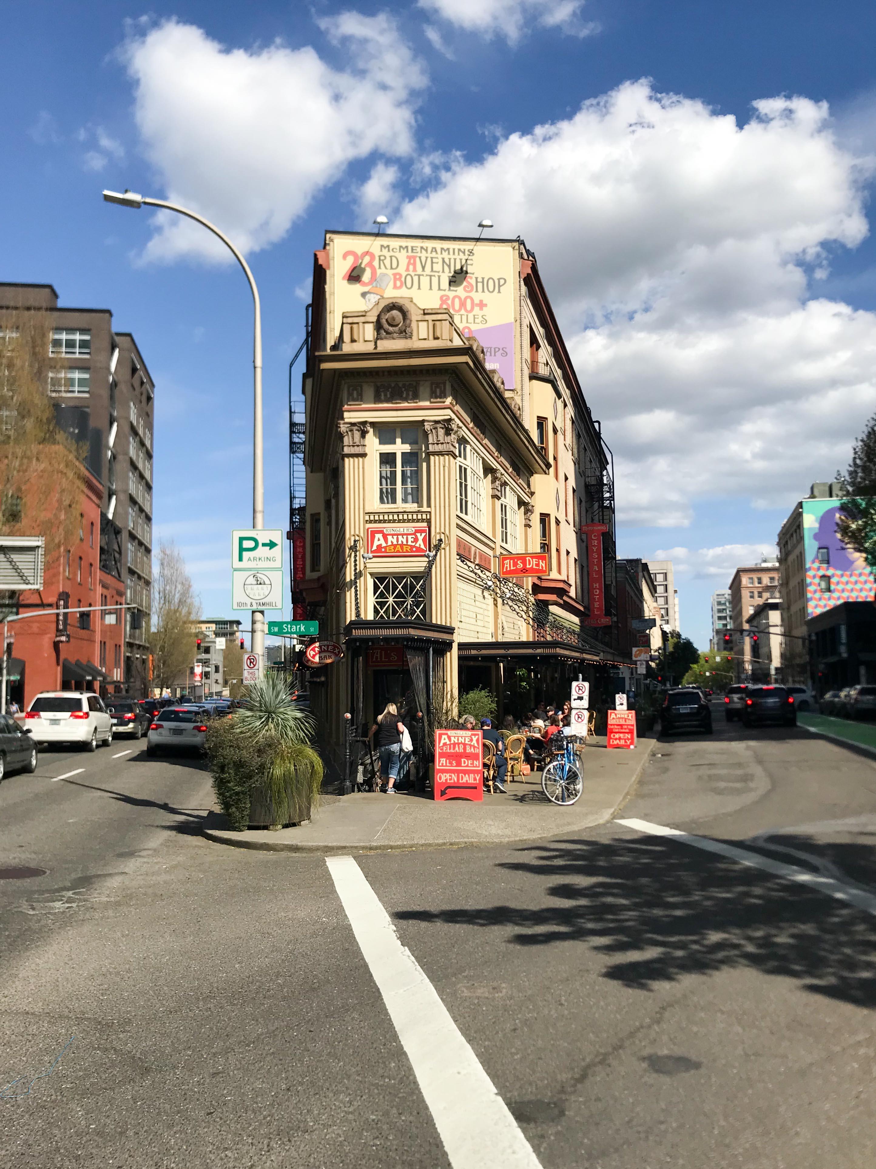 Portland; Oregon; USA; Stadt – pink chillies